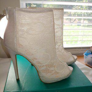 NWOT Lauren Lorraine Lace Boots with 5- inch heels
